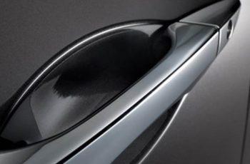 Como remover marcas de unha da pintura do seu carro?